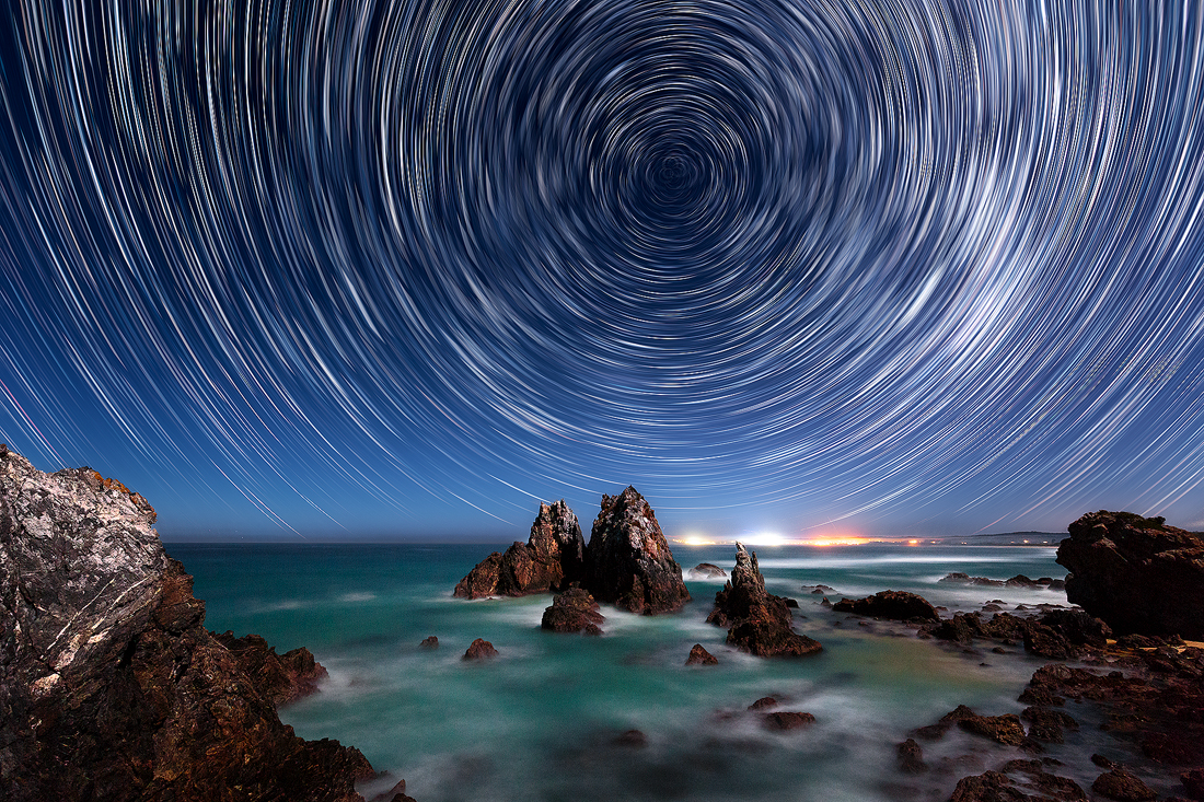 The dizzying motion of the Earth in the stars from Camel Rock, NSW